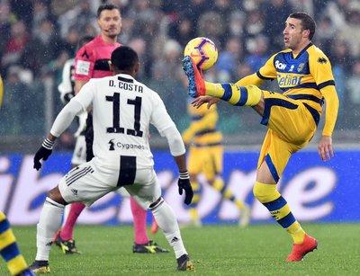 ecb12a6092a Juventus winger Douglas Costa unhurt after car crash