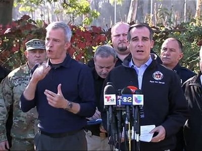 LA Mayor: Fire Near Downtown 20 Pct Contained