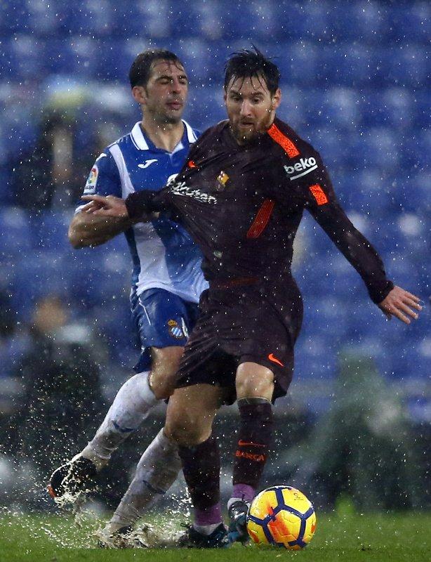Lionel Messi, Victor Sanchez