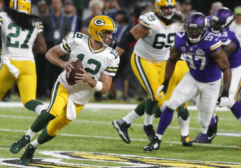 Bradford trumps Rodgers in debut as Vikes beat Pack 17-14 7e171a771