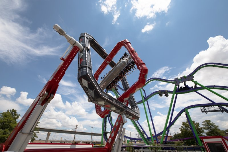 HARLEY QUINN Spinsanity Debuts at Six Flags Over Texas