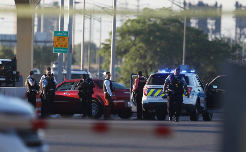 Police: Man killed woman, then himself on Chicago Skyway