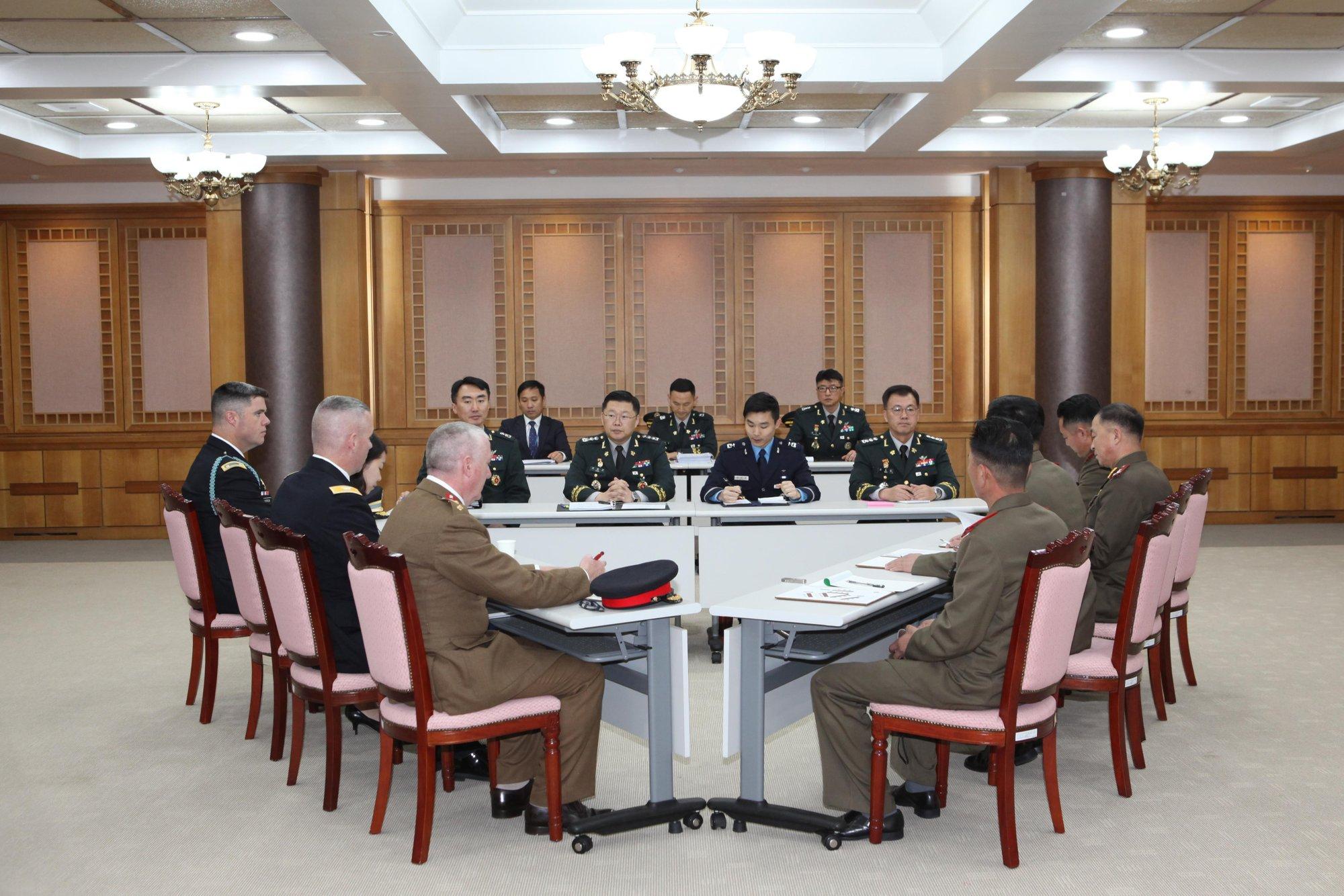 Hasil gambar untuk Koreas finish removing land mines from border village
