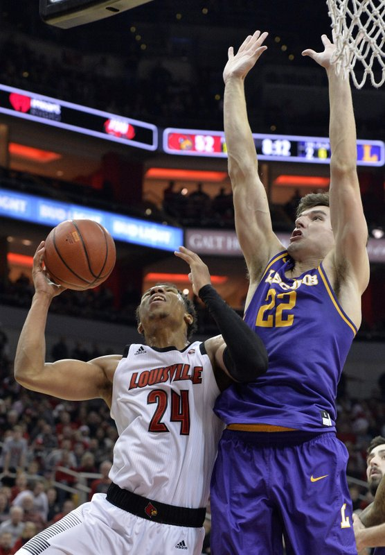 Louisville pulls away late to beat Lipscomb 72-68