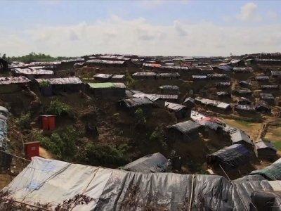 Oppressed Rohingya Flee to Bangladesh