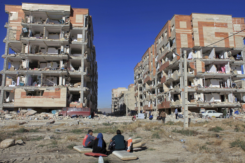 Quake kills 430 in Iranian border region rebuilt after war