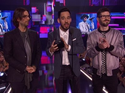Tribute to Bennington; Diana Ross honored at AMAs