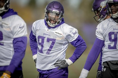 a8ac2994ad1 EAGAN, Minn. (AP) — Everson Griffen was back at practice with the Minnesota  Vikings for the first time in almost six weeks, a significant point of  progress ...