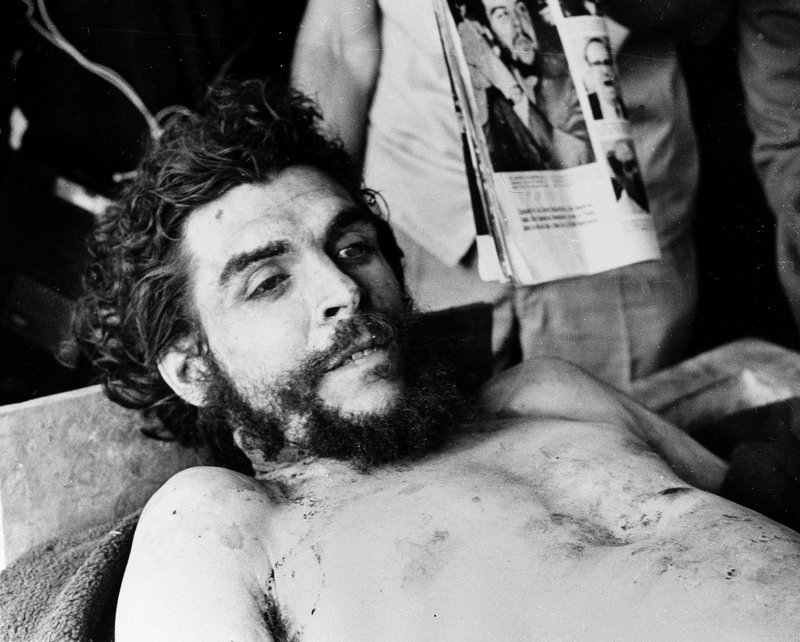 a biography and life work of ernesto che guevara an argentine marxist revolutionary Che and juan martin's father, ernesto guevara lynch, was the charming but feckless son of a good family, with no degree and a life-long tendency to involve himself in failing enterprises.