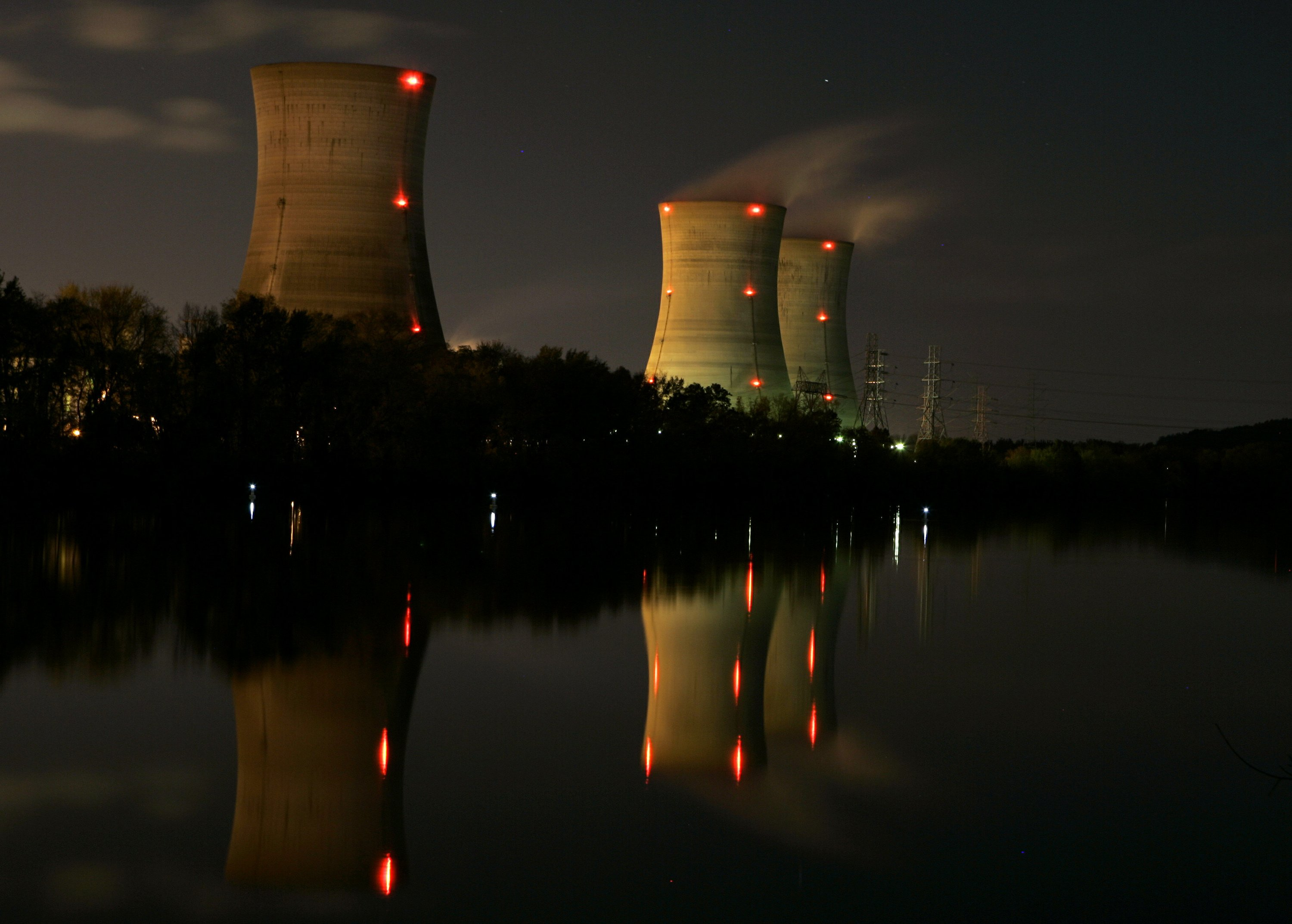 Three Mile Island plant, site of nuclear accident, to close