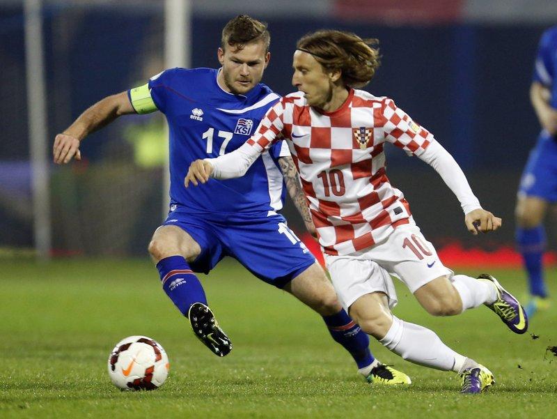 Luka Modric, Aron Gunnarsson