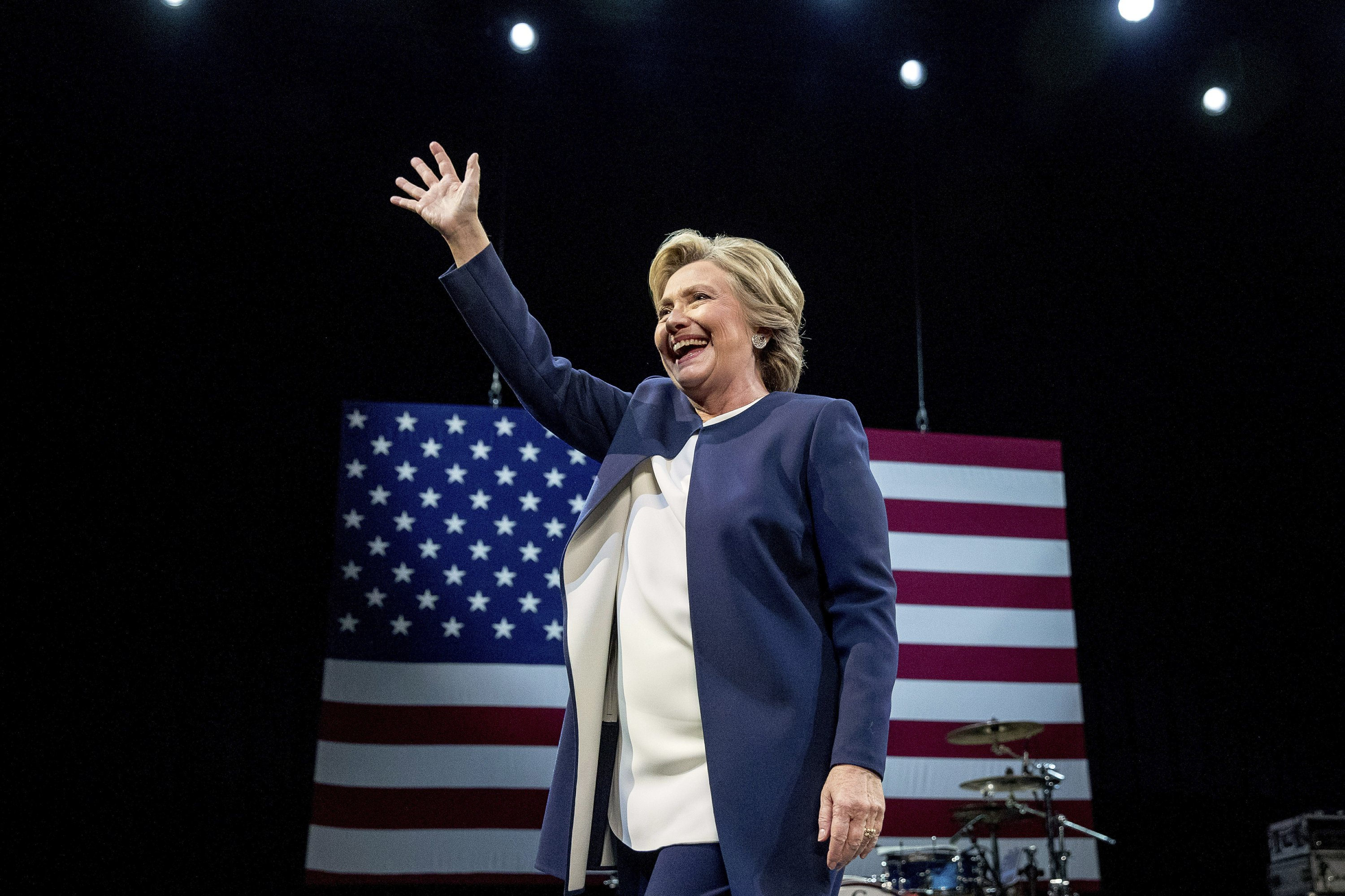 Email: Clinton campaign sought to cancel Wall Street speech