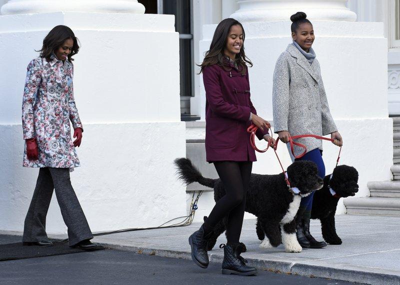 Michelle Obama, Sasha Obama, Malia Obama, Bo Obama, Sunny Obama