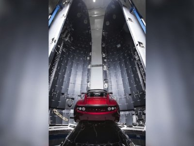 SpaceX Sends Tesla to Mars in Test of New Rocket