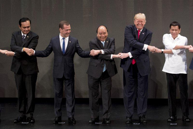 Donald Trump, Rodrigo Duterte, Dmitry Medvedev, Nguyen Xuan Phuc, Prayut Chan-o-cha