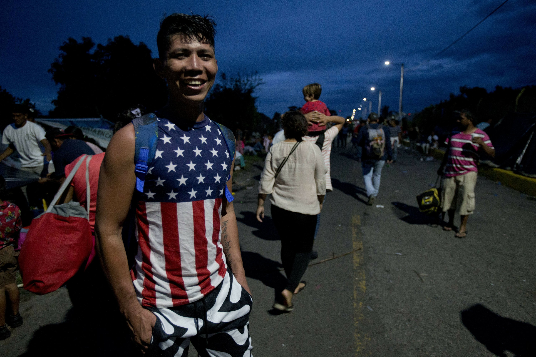 Honduran migrants heading in a caravan to the US, arrive