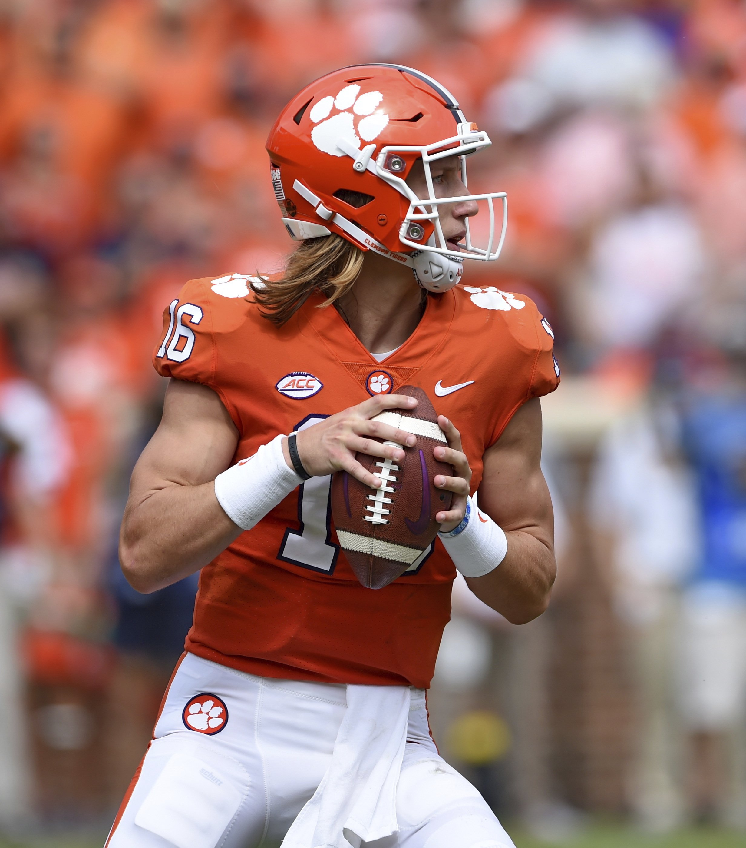 los angeles e2076 e956c Swinney: Clemson QB Lawrence will play at Wake Forest