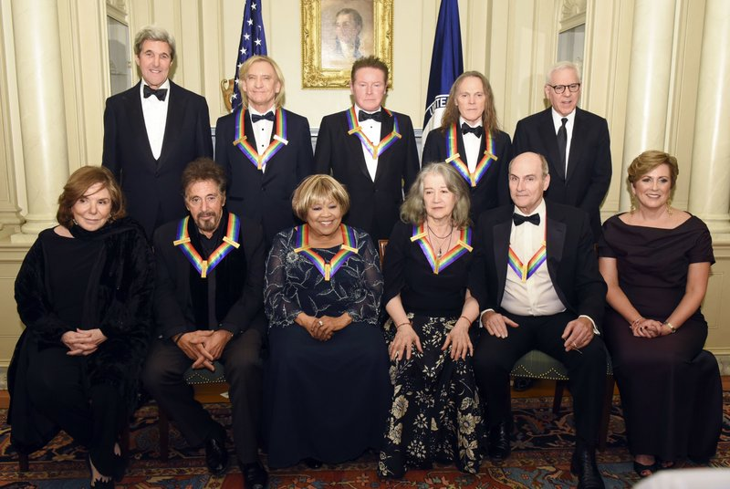 Standing ovation for Obama at his last Kennedy Center Honors