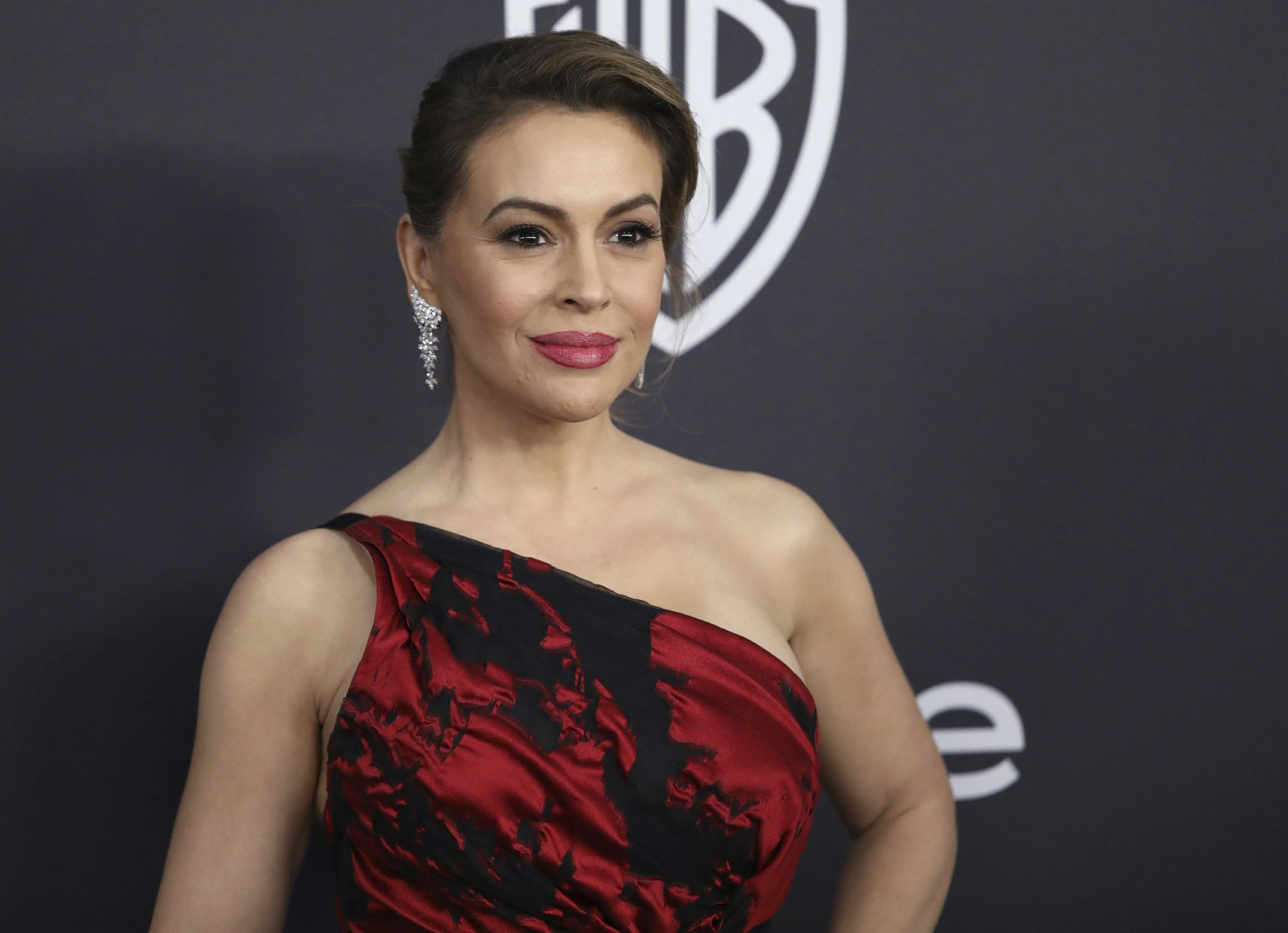 Alyssa Milano calls for sex strike, ignites social media