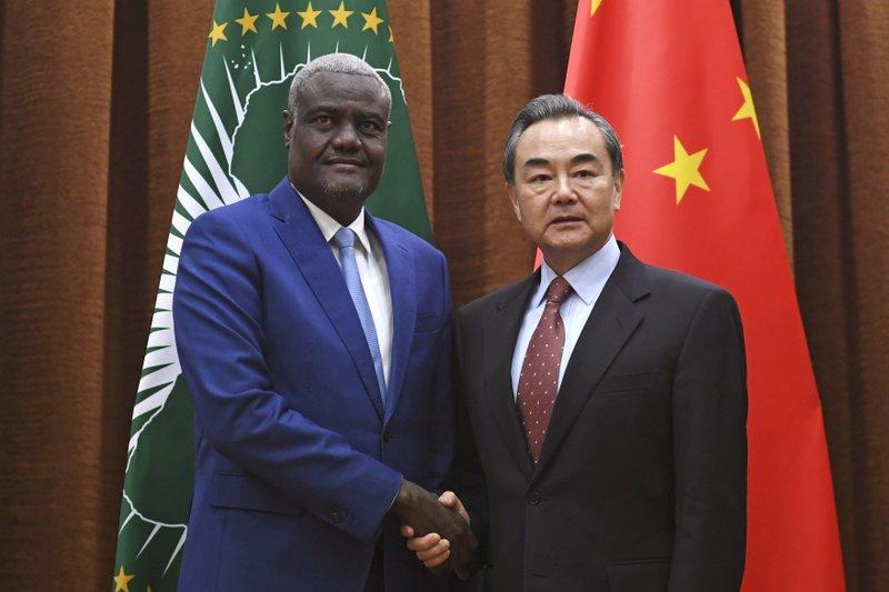 Wnag Yi, Moussa Faki Mahamat
