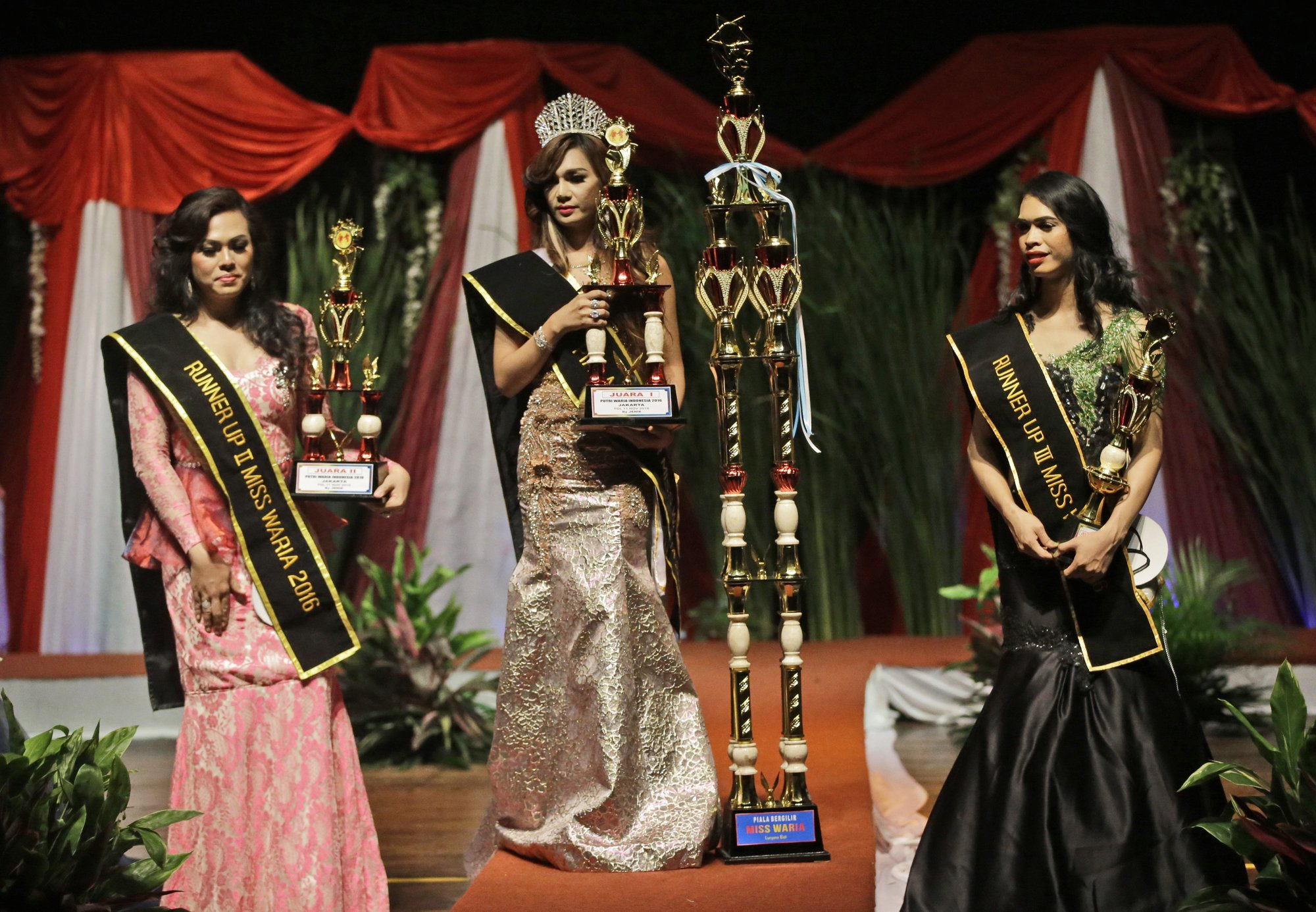 Indonesia Miss Transgender crowned in a slap for hard-liners