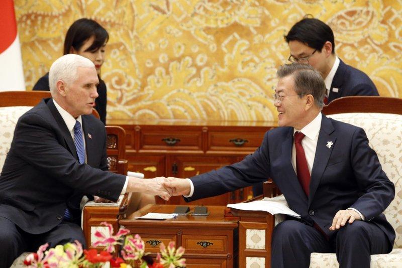 Mike Pence, Moon Jae-in