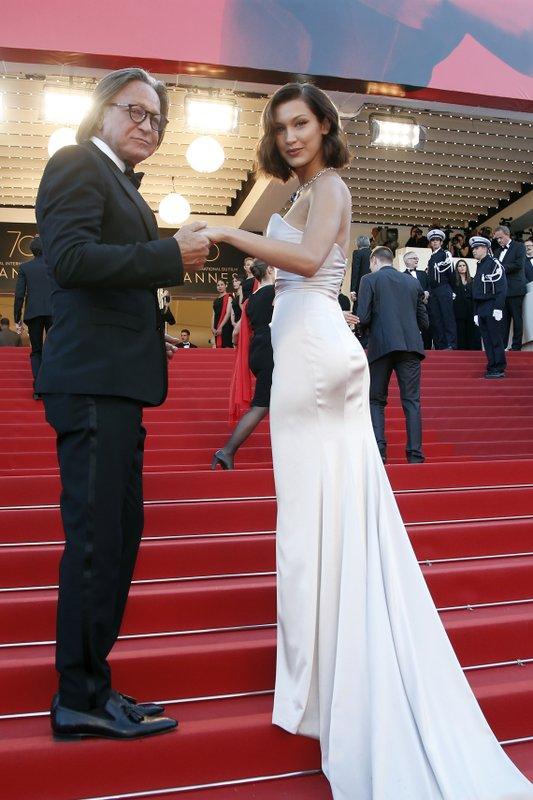 Bella Hadid, Mohamed Hadid