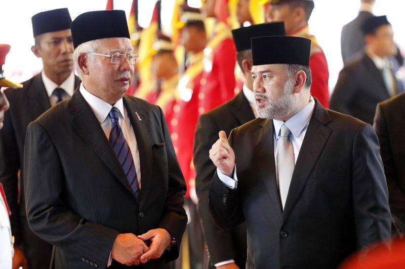 Najib Razak, Muhammad V