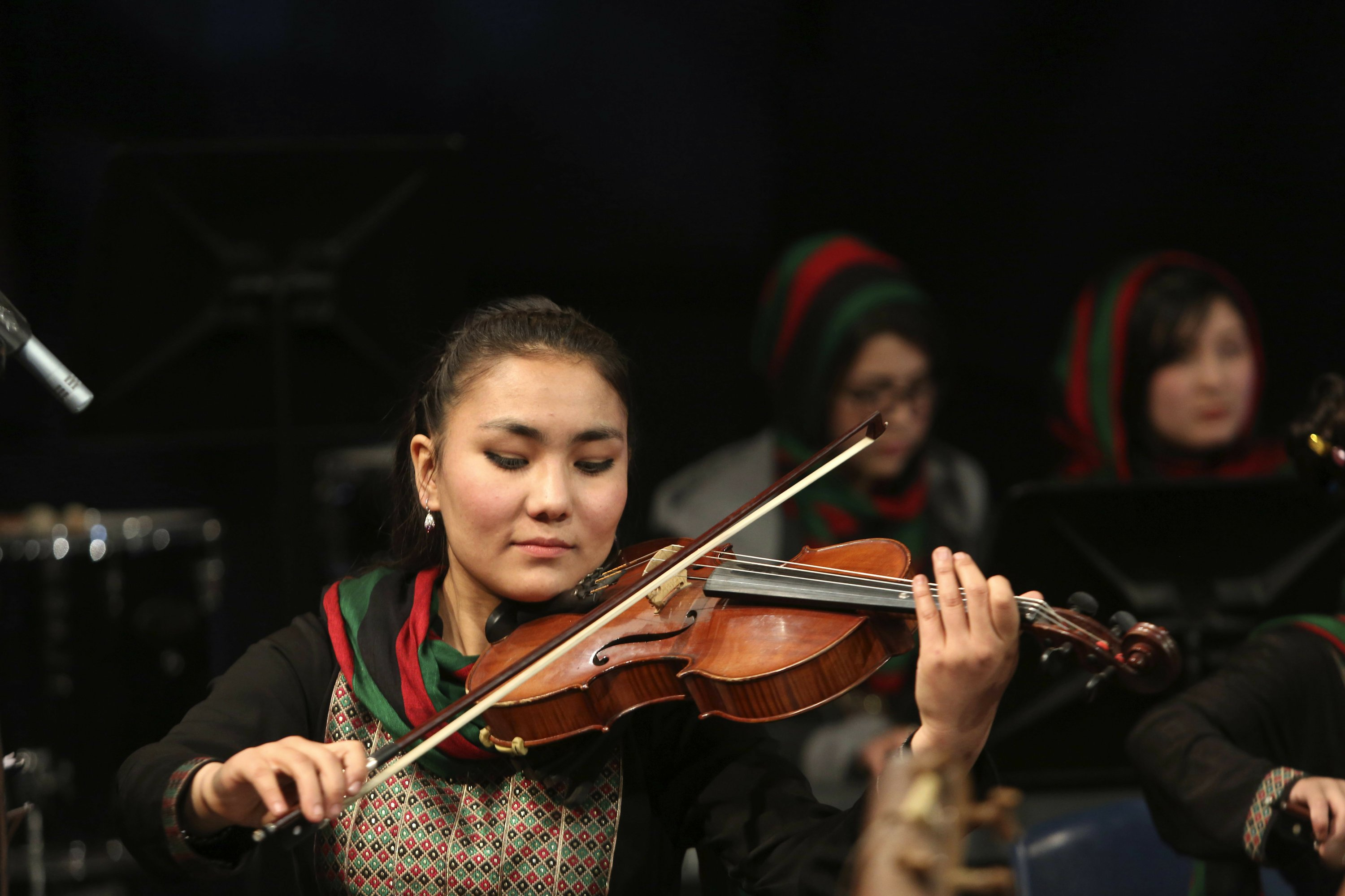 First Afghan women's orchestra tries to change attitudes
