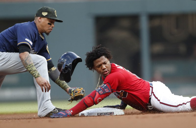 Swanson Leads Hr Derby As Fried Braves Beat Brewers 12 8