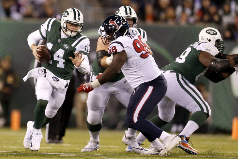 Jets Darnold Attributes His Improvement To Watching Mccown
