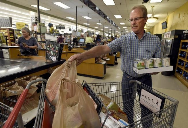 Boulder County King Soopers to Phase Out Plastic Bags