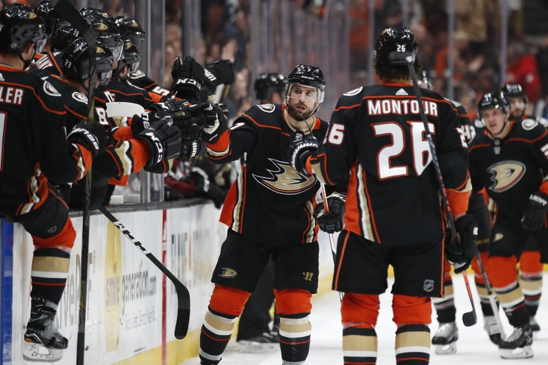 Ducks Help Playoff Chances Beat Avalanche 4 3 In Ot