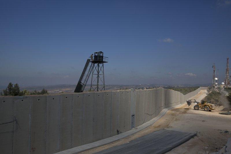 israeli wall rising near border with lebanon stokes tensions