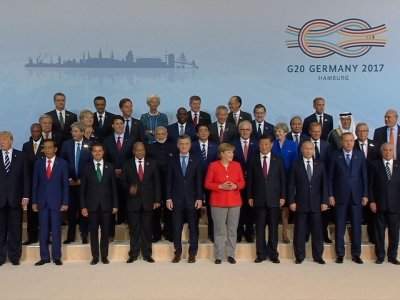 G-20 World Leaders Pose for 'Family' Portrait