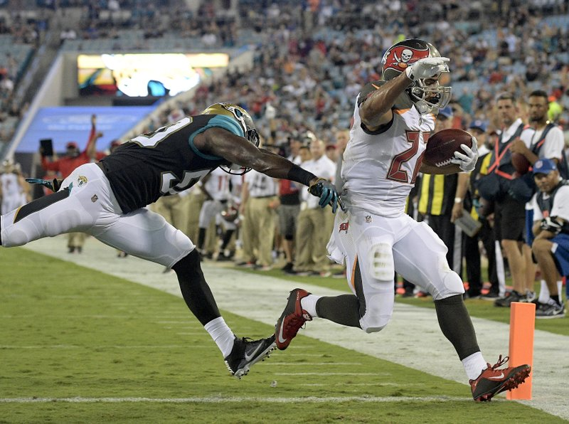 Telvin Smith, Doug Martin