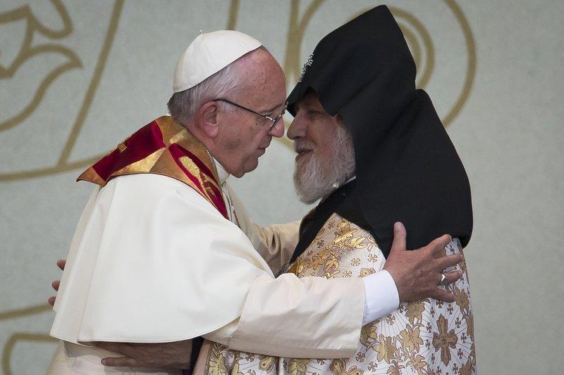 Pope Francis, Karekin II