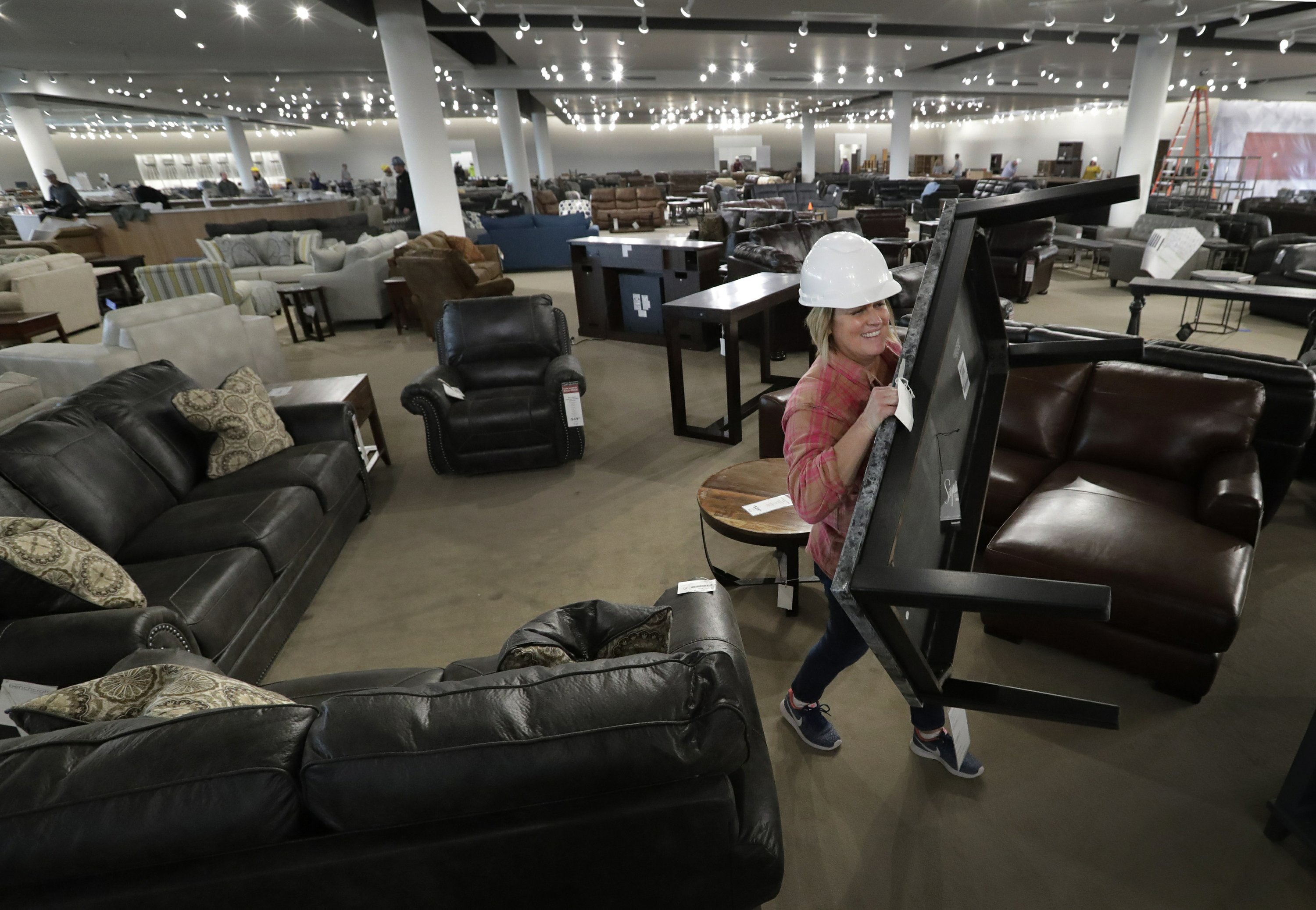 wisconsin furniture store opens new location in grand chute. Black Bedroom Furniture Sets. Home Design Ideas