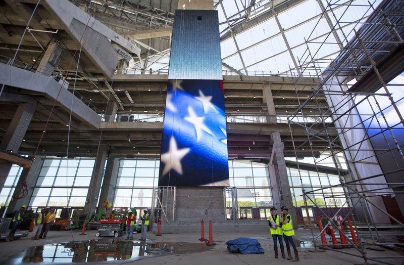 High hopes for new high tech atlanta stadium despite delays for Mercedes benz stadium roof