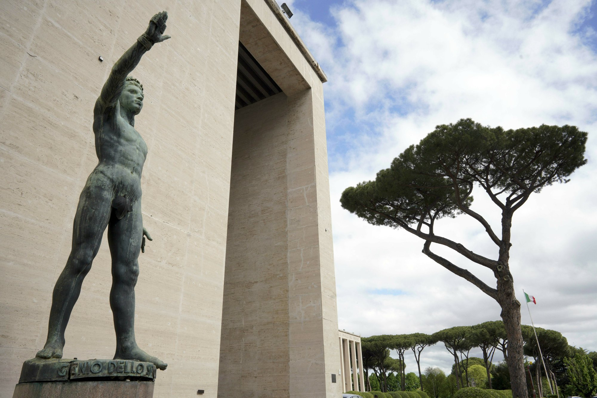 AP PHOTOS: Fascist legacy endures in Rome's architecture