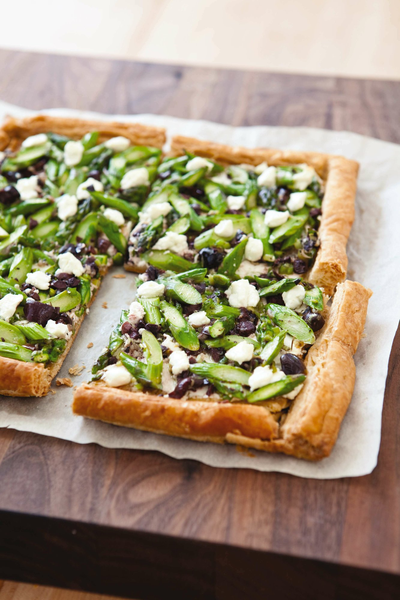 What's good for lunch, brunch or dinner? This asparagus tart
