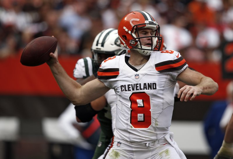 0379a517a Browns change QBs again, replace Kizer with Hogan as starter