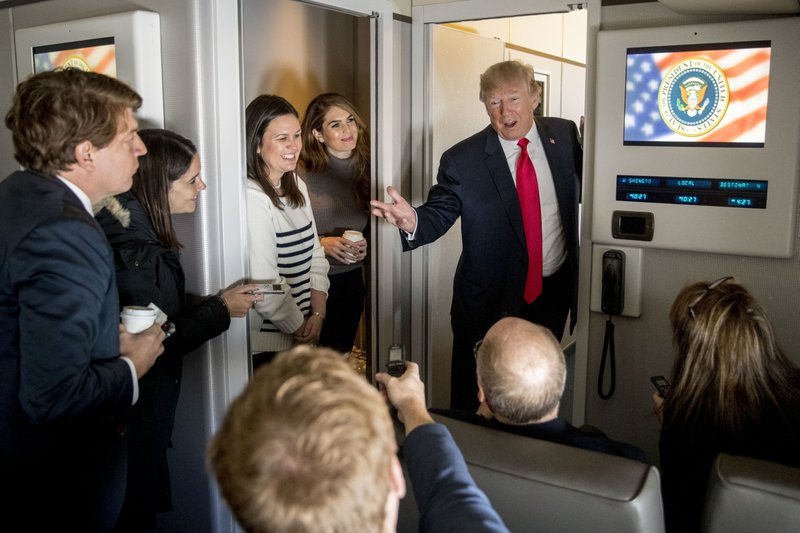 Donald Trump, Sarah Huckabee Sanders, Hope Hicks
