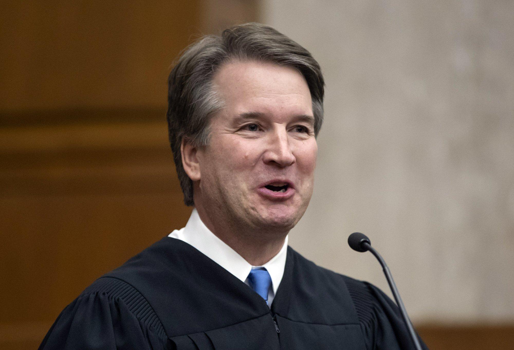 Kavanaugh in memo argued against indicting sitting president