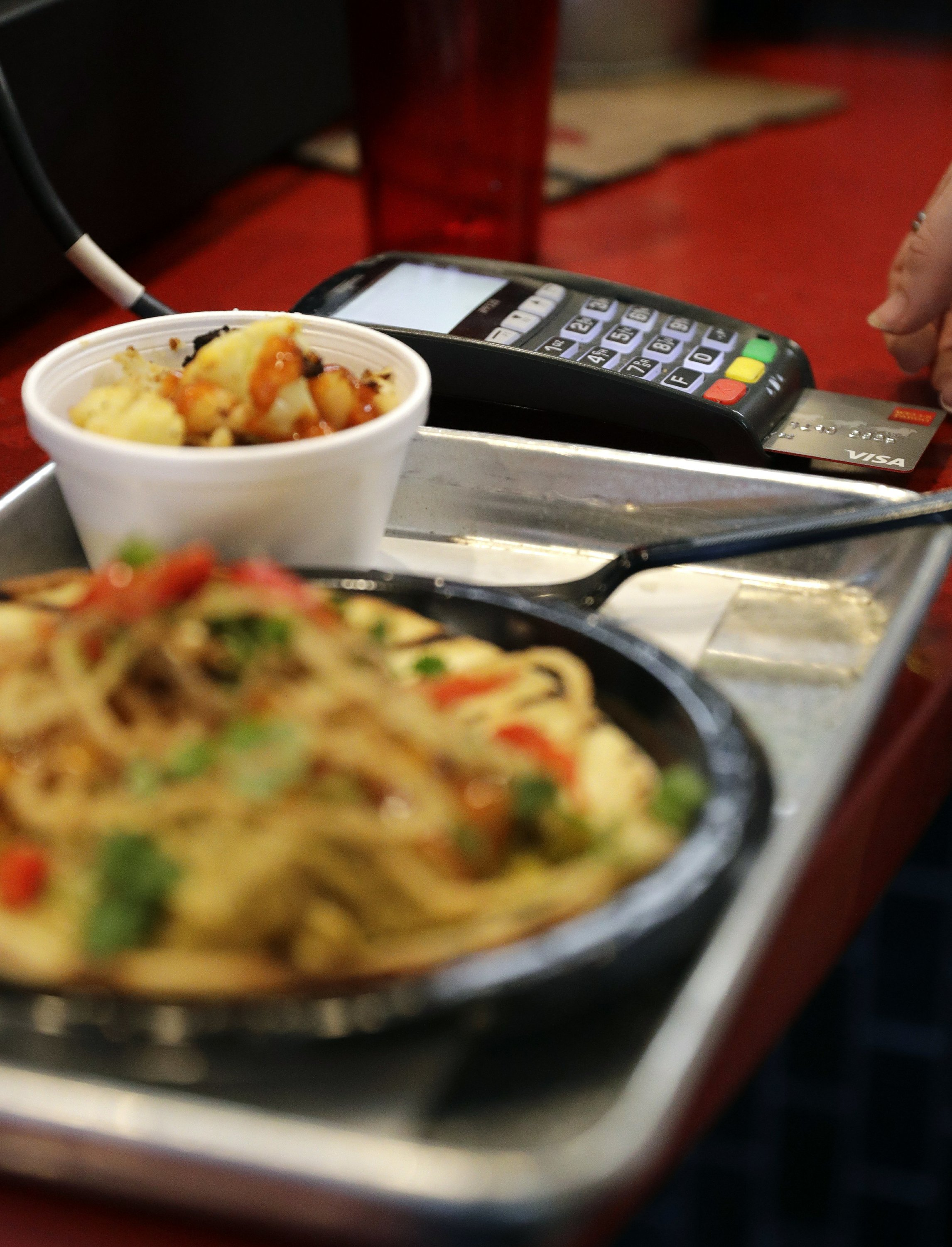 As cashless stores grow, so does the backlash