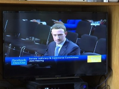Analyst: Zuckerberg Testimony 'Went a Long Way'