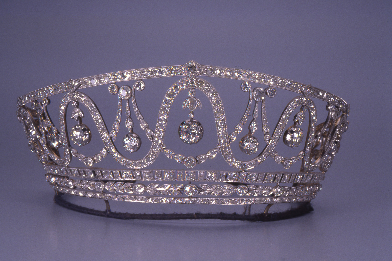 Tiara adorned with 367 diamonds stolen from German museum