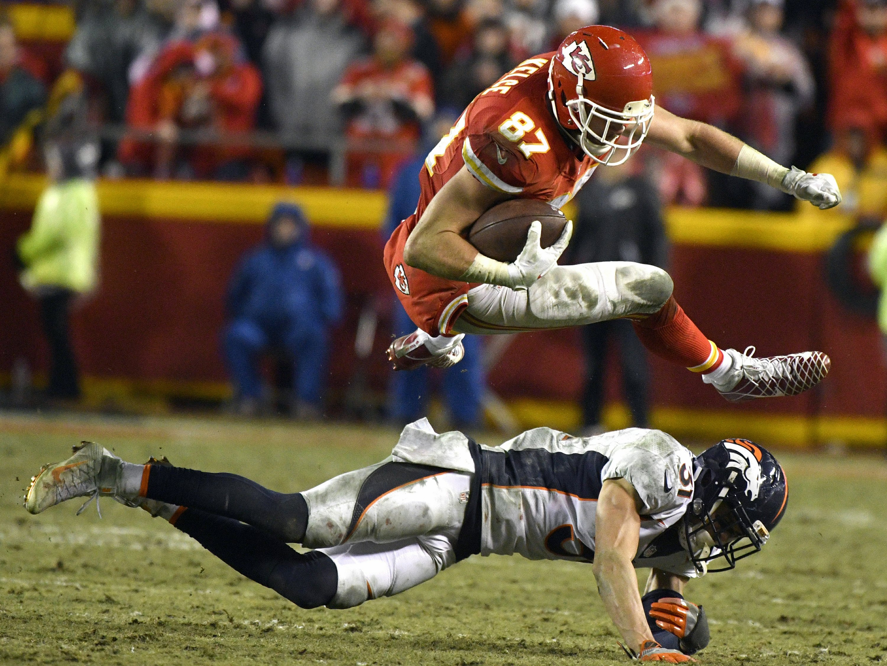 Travis Kelce leads Chiefs to important win over Broncos