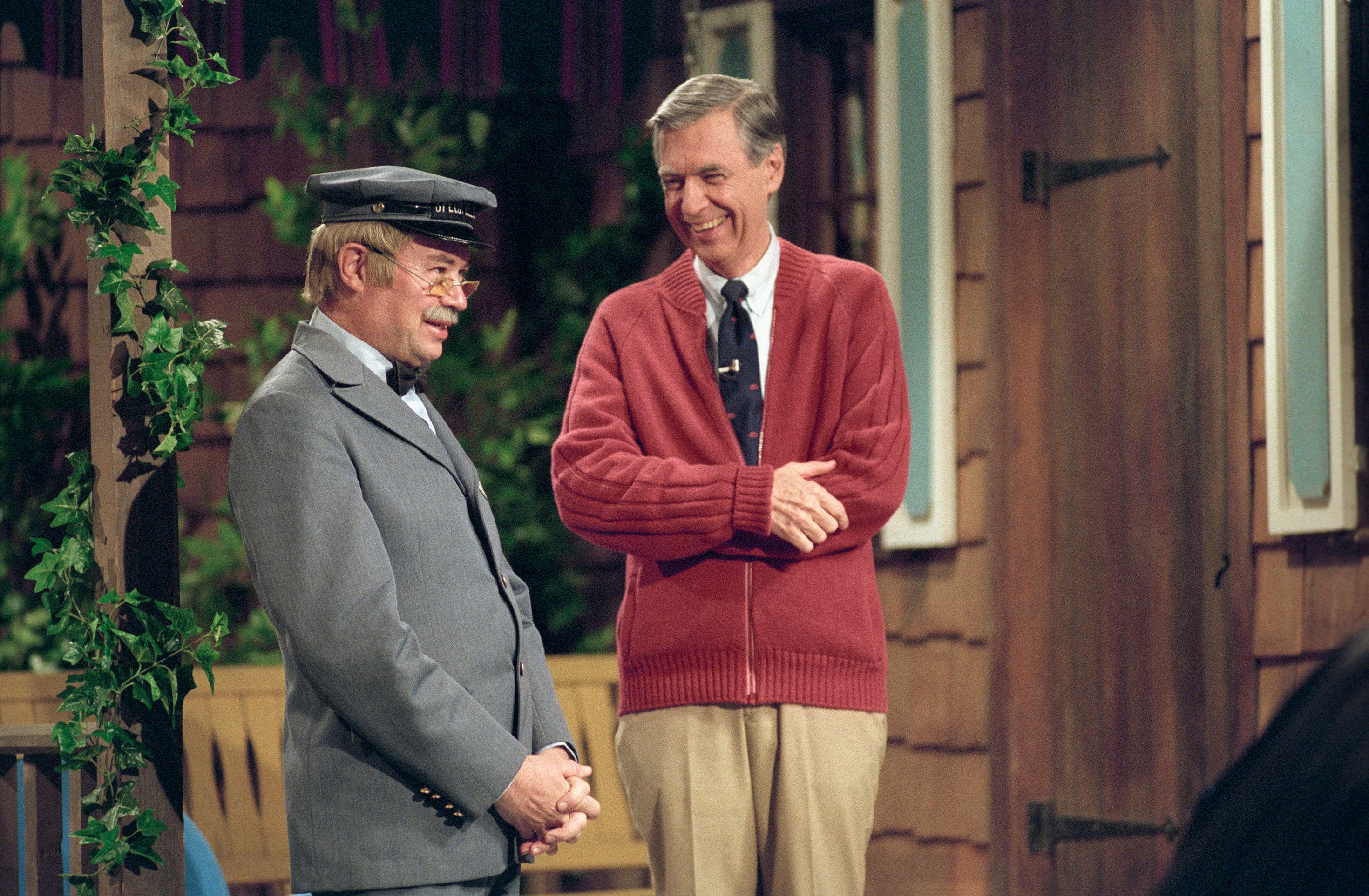 Review Fred Rogers Doc A Beautiful Day In The Neighborhood