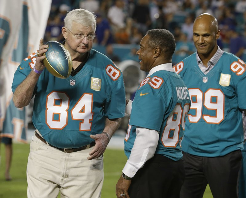 buy online 9266a 13f58 Bill Stanfill, starred for Georgia and Dolphins, dies at 69
